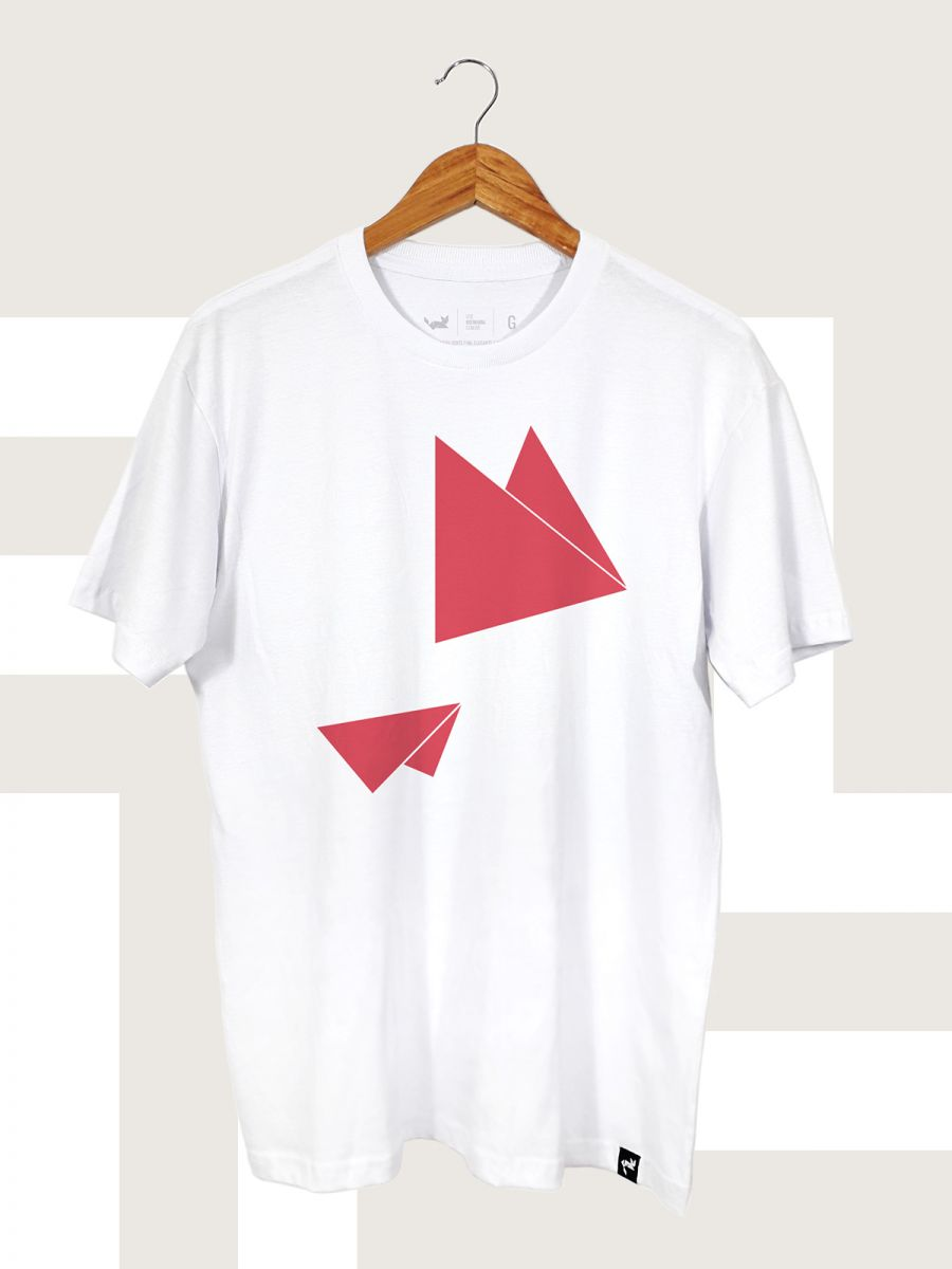Camiseta Branca Flying Triangles